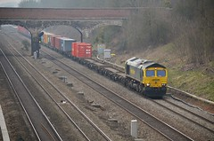 66955 (stavioni) Tags: train diesel shed rail railway freight freightliner class66 ruscombe 66955