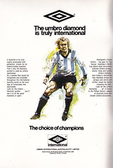 The $75000 World Of Soccer Cup - 1977 - Page 2 (The Sky Strikers) Tags: world red cup star official soccer australia souvenir tournament celtic belgrade arsenal intercontinental programme the 75000 of