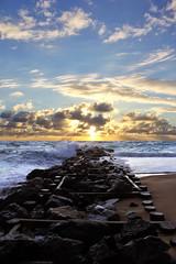 coucher de soleil  l'embouchure (natacha.mateus) Tags: coucherdesoleil sun sunset paysage landscape beach plage mer ocean sea seascape vagues waves sable night lumire light