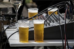 (Massimo Cerrato) Tags: music beer crazy