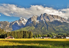 Grainau / Garmisch Partenkirchen . Germany (adr.vesa) Tags: garmischpartenkirchen grainau osterfelderkopf zugspitze bayern bavaria germany barns village dorf rural grass sunset fog mist nabel panorama nature