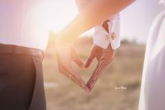 Bride and groom holding his hands (Vincent Moreau) Tags: dn evlilik romantik ak gelin sevgi beraberlik el damat iliki gelinlik adam aile beyaz birlikte buket elbise sevgiliye erkek evli e gen hayat sevmek tutma treni yaknekim yeni ift sevin turkey