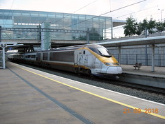 Another photo of Class 373 set 3003/3004 arriving at Ebbsfleet Intl Station. (DesiroDan) Tags: ebbsfleetinternationalstation highspeed1 eurostar eurostarclass373 class373eurostar uktrains ukelectricunits highspeedtrainsintheuk britishrailclass373 tgvtmst