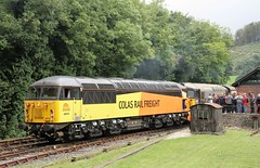 Photo of 56078+33110, Bodmin Parkway