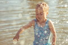 por_20160622_toniwittmann_PENT8510_web (toniwittmann) Tags: portrait pentax sonne sommer wasser park spiel licht wassertropfen tropfen