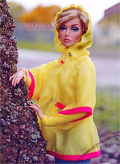 Poppy (Michaela Unbehau Photography) Tags: azchallengegrouphttpswwwflickrcomgroups2962397n20discuss72157673492643320rraingearthinkraincoats rainboots andumbrellasshowushowyourdolldressesonrainydayswhethershescuteandbundledorsleekandsexy showusthatyourdolllooksfabulousevenifitsdrearyoutside poppy parker shes there autumn happy yellow fashion royalty integrity toys michaela unbehau fashiondoll doll dolls photography mannequin model mode puppe fotografie toy outdoor regen httpswwwinstagramcommichaelaunbehau httpswwwfacebookcomdollimages