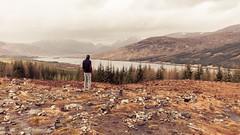 Debris (hermez) Tags: scotland2016 lochloyne scotland highlands unitedkingdom view debris lake cold europe haze mountains mountainrange gleouraich canoneos5dmk2 canonef16354lisusm emptiness landscape