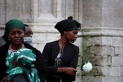 Rosabianca (Ondeia) Tags: donna belgium bruxelles bianca brussel matrimonio bellezza resa ragazza belgio contrasto