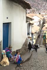 Domingo en Cusco (Tarzan!!!) Tags: street people peru calle cusco llama personas 2014