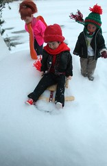 The World Family and friends go sledding (4) (tamsykens1) Tags: winter snow scale stacie doll harry potter tommy sledding kelly 16 todd photostory kiddles liddle