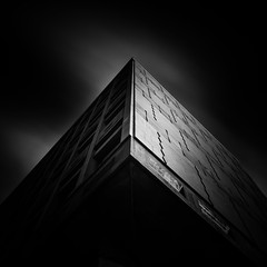 Two Faces (Joo Cruz Santos) Tags: longexposure blackandwhite bw arquitecture hoyand8 hoyandx400 sel16f28 nex5r