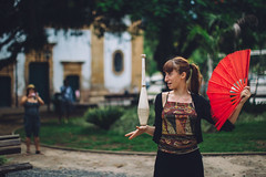 Circus Practice (Xvant) Tags: show trip red brazil portrait green art girl brasil riodejaneiro paraty america training canon 50mm artist rj play circus culture tourist prepare argentinian malabar 6d circense 50mmf12l vsco circusartist ulture canoneos6d xvant brasilemimagens pedrorojasjorquera