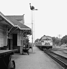 L&N, Ocean Springs, Mississippi, 1955 (railphotoart) Tags: mississippi unitedstates oceansprings stillimage 652