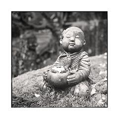 beggar  koyasan, kansai  2015 (lem's) Tags: beggar mendiant stature temple koyasan kansai japon japan rolleiflex planar