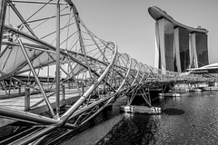 Double Helix Bridge (calysta.bleasby) Tags: doublehelixbridge doublehelix bridge singapore marinabay marinabaysands blackandwhite