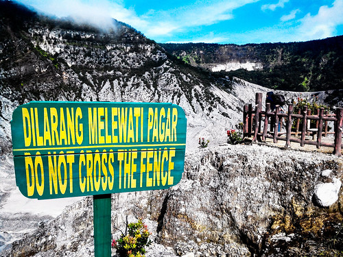 Tangkuban Perahu, Lembang, West Java. #mountain #crater #lembang #westjava #indonesia #trekking