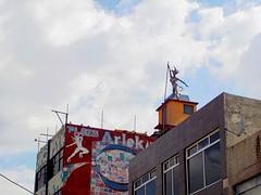 Plaza Arlekin (arlequn), Tlalnepantla. (Xic Eseyosoyese (Juan Antonio)) Tags: plaza comercial arlekin arlequn tlalnepantla mxico centro chacharas ropa cosas varias comerciantes venta negocios barrio nikon coolpix s33 figura escultura lugar