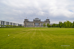 Berlin  - Reichstag (mariosantiaguino_) Tags: berlin hauptbahnhof sbahn spree tiergarten reichtag spandauer