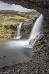 Les deux cascades (R - P Photography) Tags: longexposure poselongue waterfalls waterfall cascade cascades iceland islande nature landscape paysage