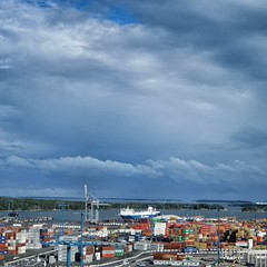Port of Helsinki | Vuosaari Harbour (Toni Kaarttinen) Tags: portofhelsinki vuosaari vuosaarensatama harbor harbour instagram instawalk finlndia finnland finnlando finlandia finlande finnorszg  finlndia finlanda  suomi finland scandinavia industrial architecture sky