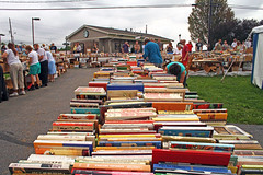 IMG_3083 (SJH Foto) Tags: readers wait for official opening lancaster mennonite historical society booksale while some premium payers browse they were privileged enter early