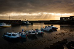 St.Abbs Harbour (scrumsrus) Tags: stabbs berwickshire scotland scottishborders harbour boats lifeboatstation sunrays cloud dawn otw