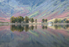 mountainous reflections (evorichie101) Tags: buttermere lake district landscape nikon sigma autumn trees mountain reflection