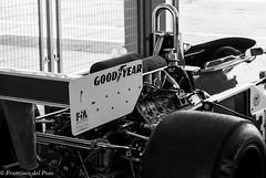 Jarama Classic, Boxes B&W (nautilus8052002) Tags: distagonotus5514zf porsche 917 bw jarama classic cars blanco y negro monocromtico auto vehculo