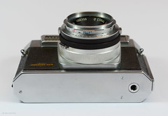 Aires Viscount M2.8 on Display (07) (Hans Kerensky) Tags: aires viscount m28 display japanese 35mm rangefinder camera lens q coral 128 45cm