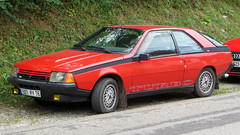 Arques-la-Bataille, Seine-Maritime - France (Mic V.) Tags: 507py76 french car voiture coupe coup turbo rouge youngtimer