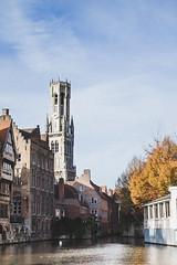 Bruges (Julien Pf) Tags: canon eos rebel canal eau belgium belgique brugge cathdrale bruges mm t3 1855 paysage glise chapelle brugges 1100d