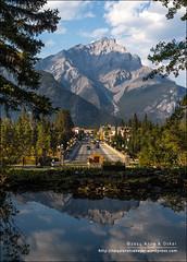 Banff Avenue, Banff National Park (Alberta) (Anna & Oskar) Tags: travel viaje canada canon landscape paisaje can alberta banff banffnationalpark canadianrockies 1dx montaasrocosas 5dmarkii