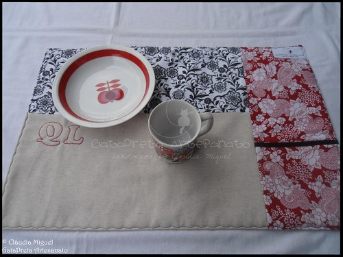 "Caixa de chá e Individuais de mesa ""Quebra-Luz"""
