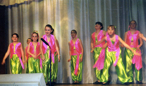 2000 Aladdin 13 (far left Hollie Willis)