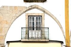 Tomar - Rua dos Arcos (jaime.silva) Tags: portugal arquitetura architecture arquitectura nikon architektur architettura architectuur tomar portogallo arkitektur mimari arkkitehtuuri architektura  portugalia portuglia arhitektura bouwkunde bouwstijl portugali portugale arhitectura arkitektr architektra architektra baustil portugalsko ptszet arhitektuur nikond90   portugalska portugalija arhitektra architektonik