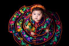 Chiapas (lfbc) Tags: roja mexico regional chiapas traje bebe colores colors tradiciones portrait retrato nikon d750 50mm