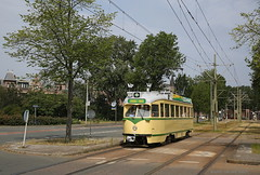 Tourist Tram (Maurits van den Toorn) Tags: tram tramway streetcar trolley strassenbahn villamos elctrico htm denhaag thehague tourist statenkwartier
