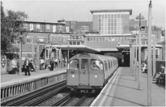 Rayner's Lane (DH73.) Tags: rayners lane piccadilly line london undergound 1973 stock minolta dynax 505si 3570mm lens ilford fp4