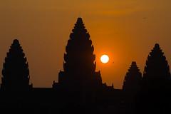 Khmer sunrise II (Adrien Marc) Tags: krongsiemreap siemreap cambodge kh sunrise angkorwat angkorvat silhouette