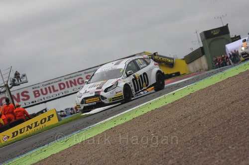 Mat Jackson in race two during the BTCC weekend at Knockhill, August 2016