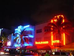 Ocean Drive, South Beach (rutiful) Tags: artdeco miami miamibeach southbeach neon oceandrive retro vintage hotels colony