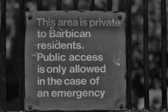 sign (coffeebucks) Tags: barbican barbicancentre brutalism modernism barbicanestate cityoflondon london architecture chamberlinpowellandbon lakesideterrace