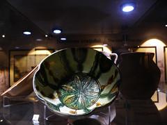 17th to 18th century bowl found in Tnganu, near Bucharest, exhibited in Bucharest city museum (cod_gabriel) Tags: palatuluu palatulsutu muzeulbucuretiului themuseumofbucharest muzeulmunicipiuluibucureti palat palace bowl castron bucureti bucuresti bucharest bucarest bucareste boekarest romania roumanie romnia bukarest museum muzeu