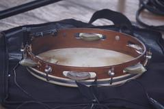 Frame Drums 16: Pandeiro [Brazilian] (of Yves Finzetto) (KM's Live Music shots) Tags: musicalinstrument hornbostelsachs membranophone pandeirobrazilian framedrum handpercussion drums brazil panoramadochoro hornimanmuseum