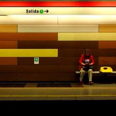 combo (juliayeger) Tags: colors colours combination gama combinacion combinar amarillo subte subway woman sitting city daily chile subterraneo rayas stripes strypes franjas estetica simetria wall colored salida modern mujer moderna