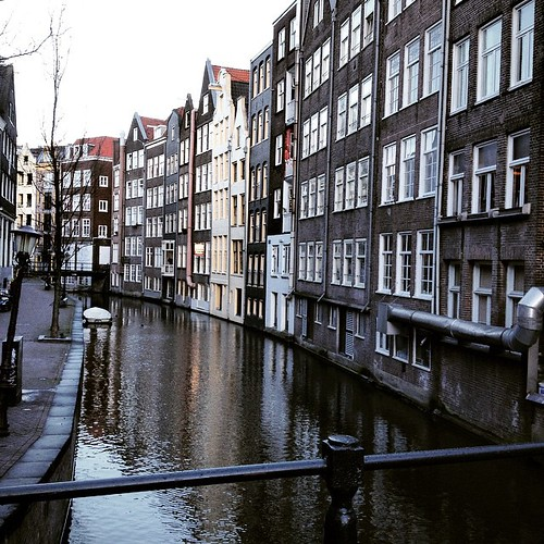 Canal. #amsterdam #holland #canal #like #love #follow #me #instagram #instaphoto #houses