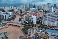 Robertson Quay at the Singapore River (williamcho) Tags: river singapore shot condo hotels novotel parkhotel robertsonquay thepier alkaffbridge unning robertsonquayhotel clemenceauave mohdsultanroad clemenceaubridge villageresidences robertsonwalkueshoppingmalluesquare
