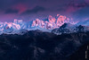 Alpenglow en Torrecerredo (Roberto Graña) Tags: sunset snow mountains atardecer nieve asturias montañas alpenglow picosdeeuropa cangasdeonis cabrones torrecerredo macizocentral urrieles següenco resplandoralpino neveróndelurriellu