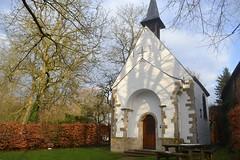Kluiskapel, Hekelgem (Erf-goed.be) Tags: geotagged affligem kapel vlaamsbrabant archeonet kluisbos onzelievevrouwekapel hekelgem geo:lon=40896 kluiskapel geo:lat=509254