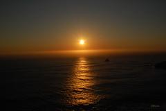 SOLPOR NO CABO DO MUNDO (C@RLOS.R) Tags: de faro galicia galiza finisterrae finisterre solpor fisterra oceanoatlantico cabodomundo maraberto crlos